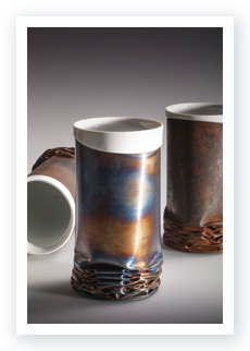 Rustcup with a bone china porcelain inlay and breamed stainless steel surface
