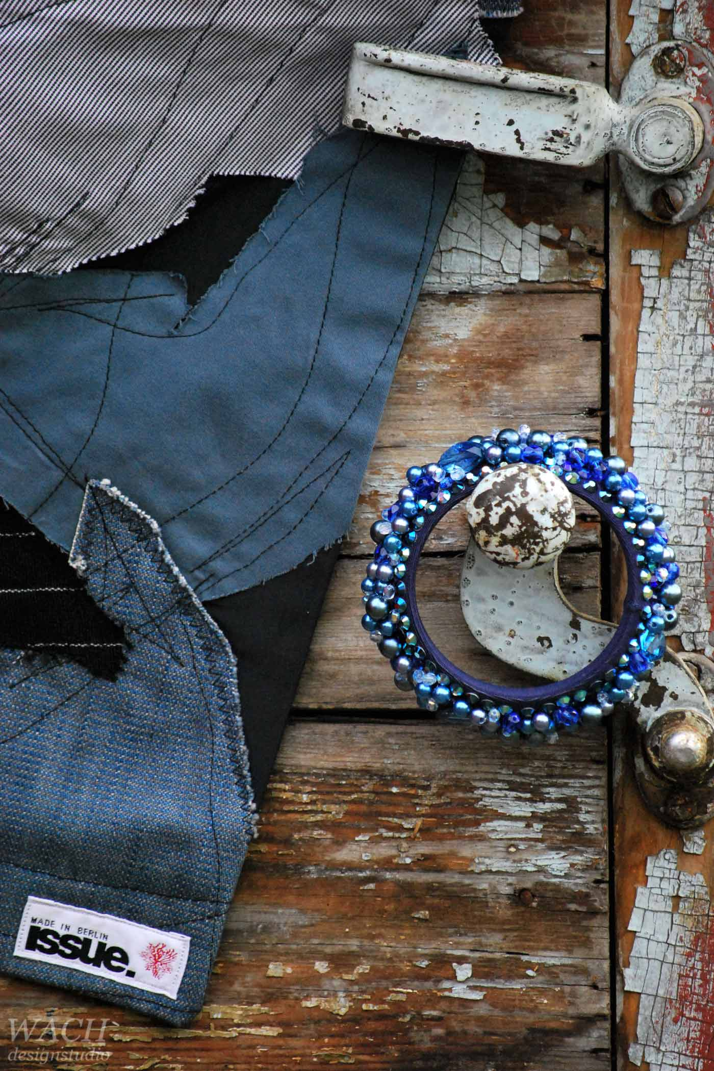Fashion accessory by Issue Berlin - Scraf and Bracelet