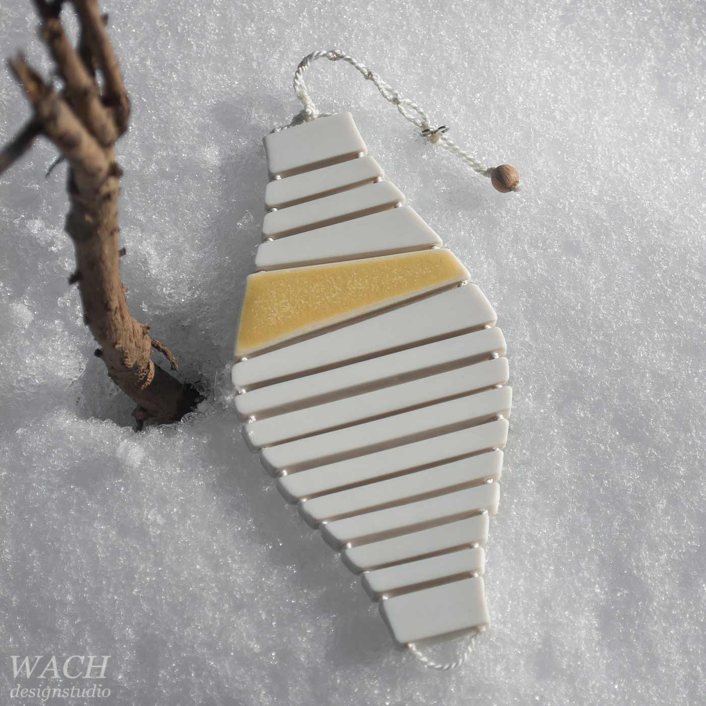 Prototype of a Partner Porcelain bracelet by WACH designstudio