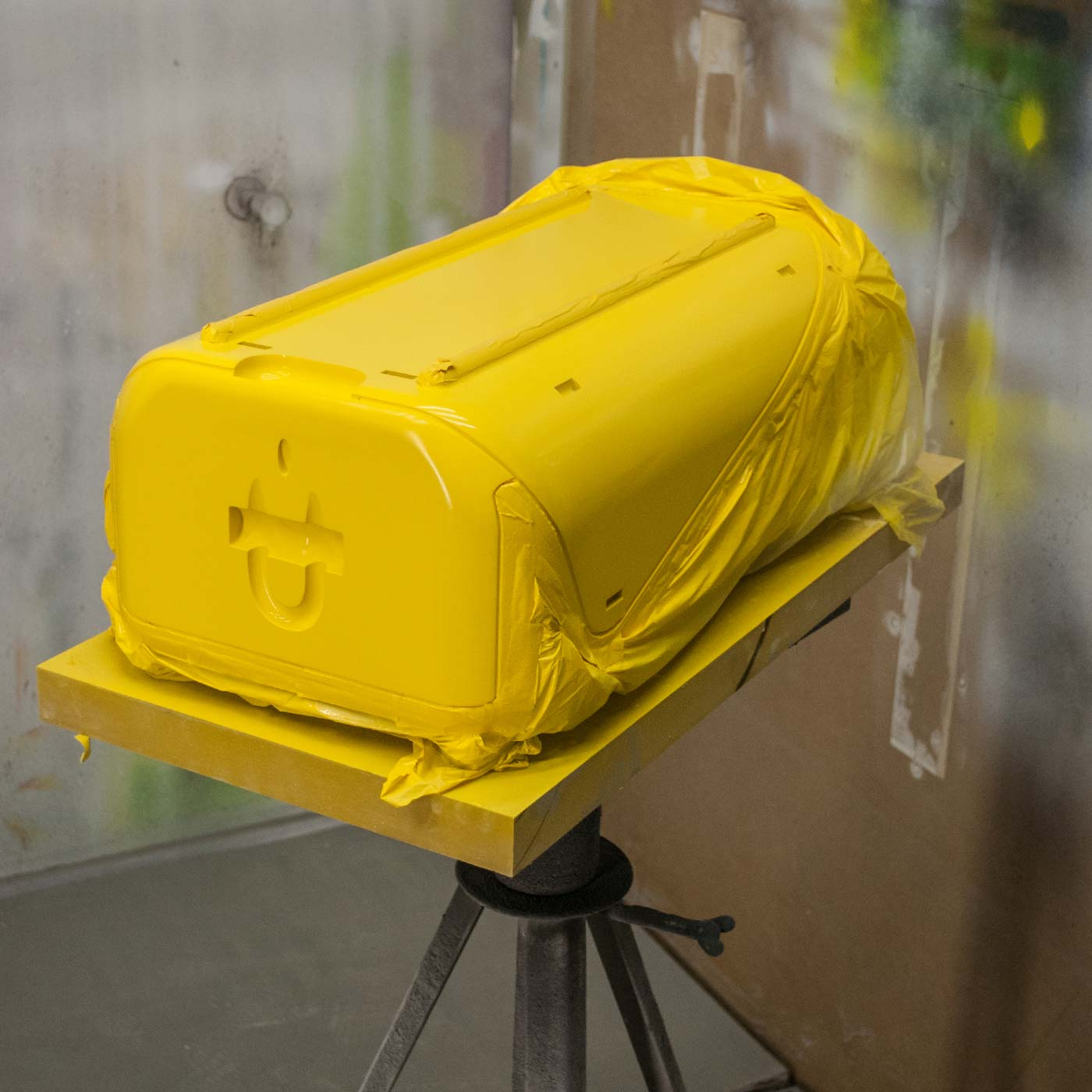 Stadtkoffer designed by WACH designstudio gets yellow paint job