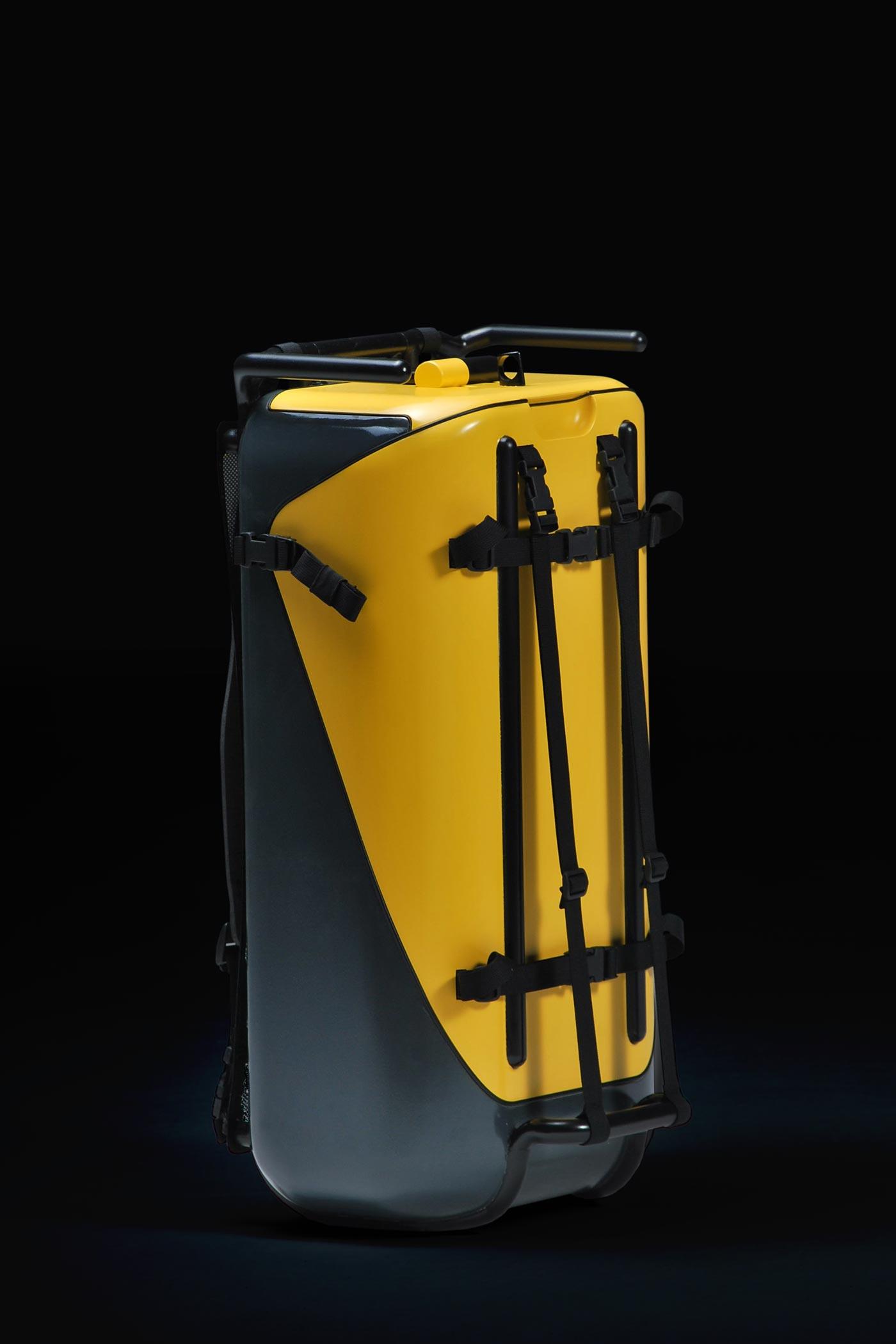 Stadtkoffer mockup by WACH designstudio side-view
