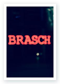 Brasch Nacht an der HFF Neonlicht by WACH designstudio